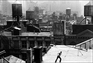 Trisha Brown's Roof Piece, New-York, 1973 © 2005 The New York Times Company